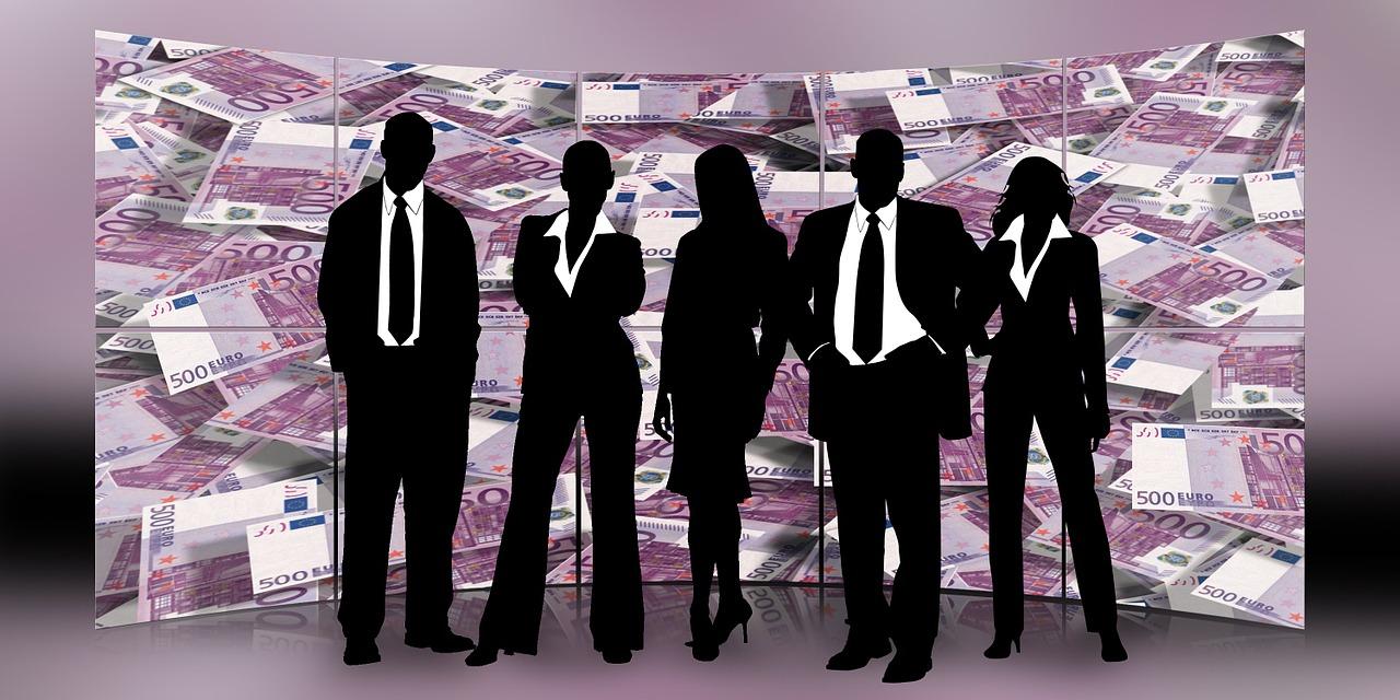 KMU definieren sich v.a. über die Anzahl der Mitareiter und den Jahresumsatz